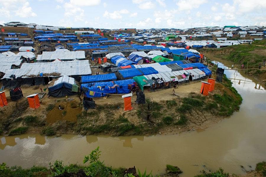 full view of Rohingya refugees at Kutupalong Bangladesh