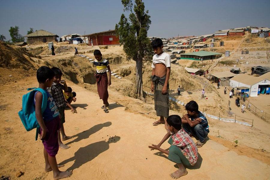 refugees playing games at Kutupalong camp Coxs Bazaar Bangladesh