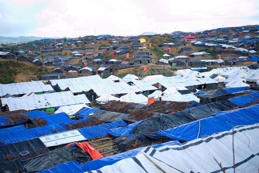upper view of Rohingya refugees at Kutupalong camp Bangladesh