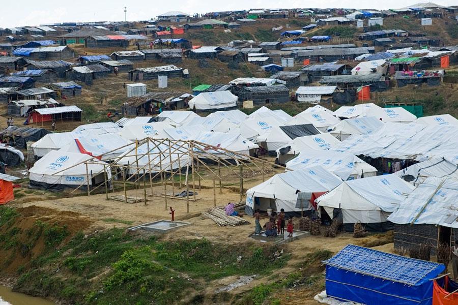 bird eye view of Rohingya refugees at Kutupalong camp Bangladesh