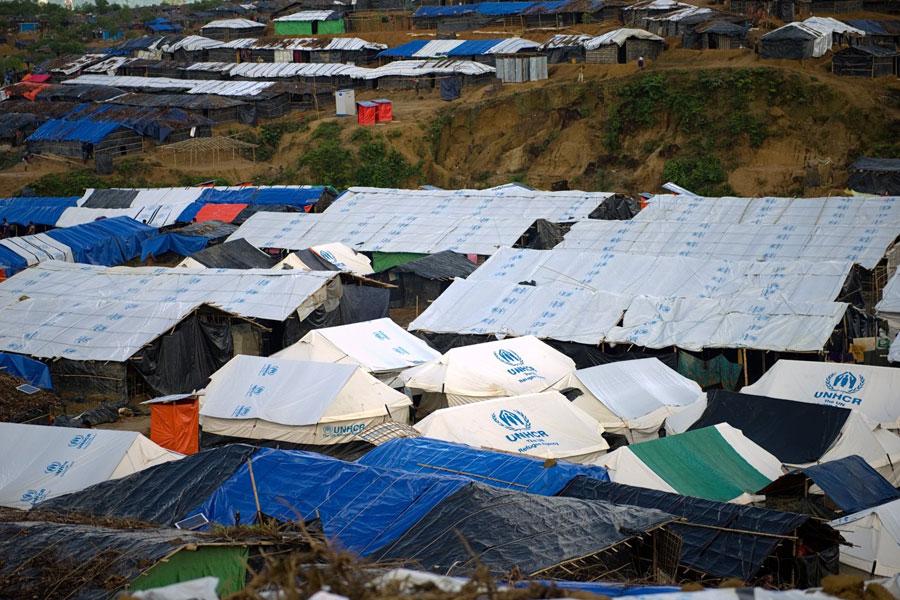 full Rohingya refugee tent in Kutupalong camp Bangladesh