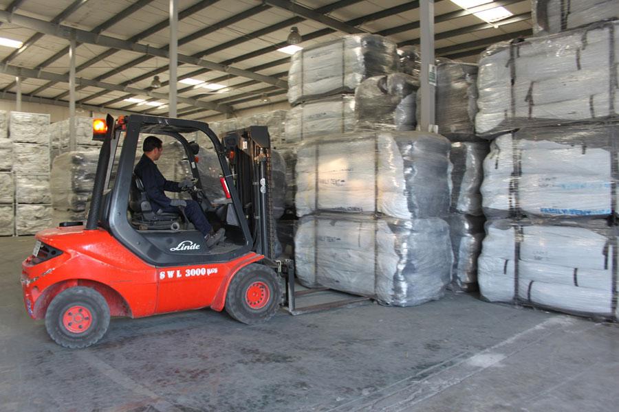 NRS International logistics in Dubai warehouse 2016