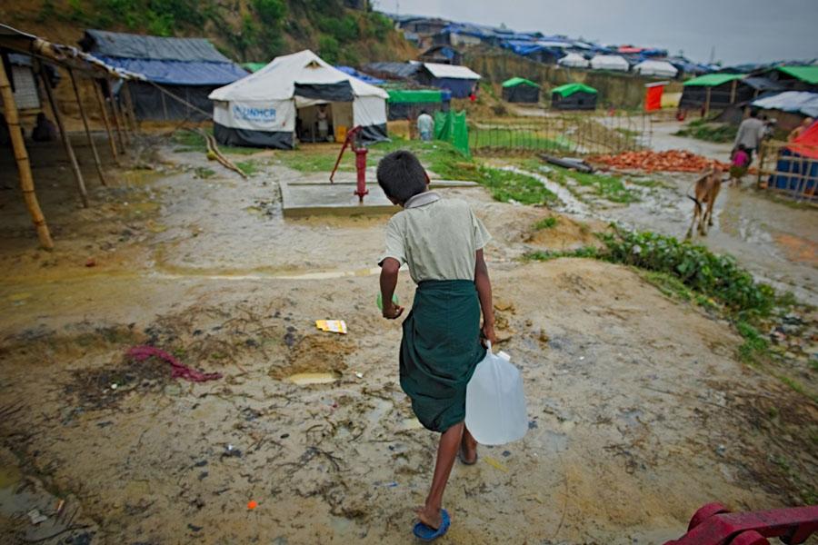 Rohingya refugees taking water at Kutupalong camp Bangladesh