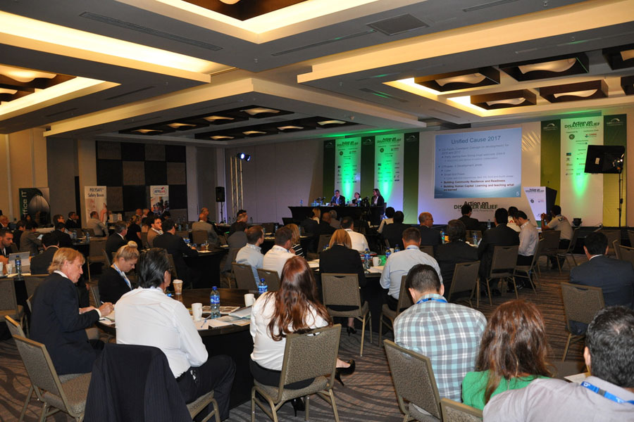people at Disaster Relief Summit in Panama 2016